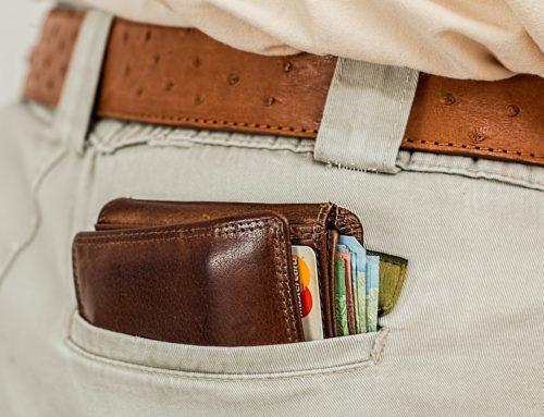 """Geldbörse am Po & der Rücken sagt """"Ohhh"""""""